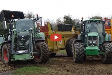 muck-spreading-with-the-fendt